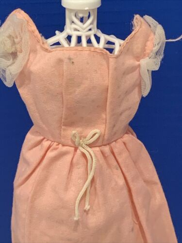 VINTAGE BARBIE SWEET 16 ORIGNAL PINK SWISS DOT LONG DRESS 1973 5  - $9.99