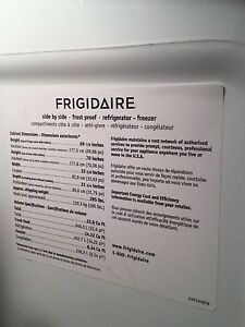 Frigidaire side by side with water and ice fridge  -22.5 cu ft London Ontario image 3