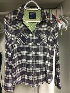 L (14) American Eagle button up shirt