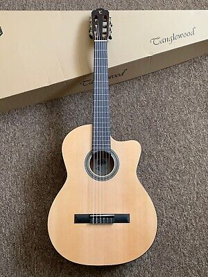 £300 Electro Classical 6 string Acoustic Guitar Nylon Strung w/ Tuner Pre amp