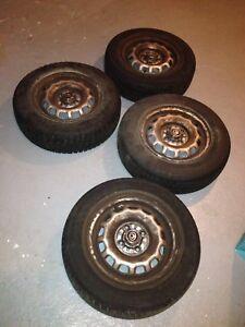 4 pneus 13 pouces sur jantes