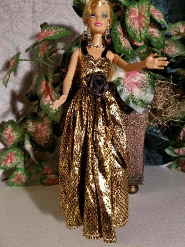 BEAUTIFUL BARBIE EVENING GOWN