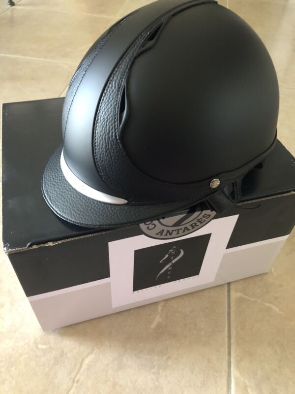 Antares Helmet Black Medium With Multiple Padding