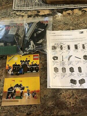 Lego 6059 knights stronghold 99% Complete with Instructions (No box)