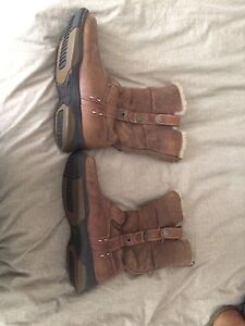Very warm winter boots size 9