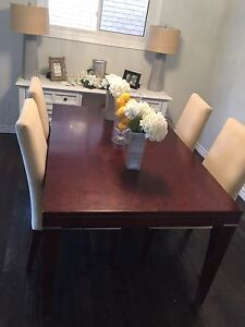 Palliser dining table - 6 parsons chairs - Canadian made