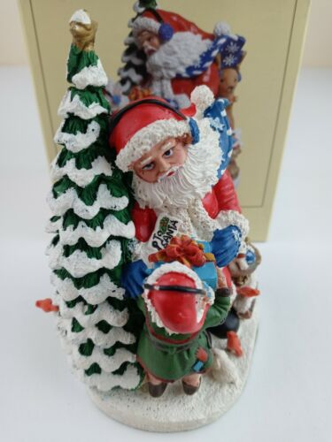 🎅 International Santa Claus Collection North Pole with Box