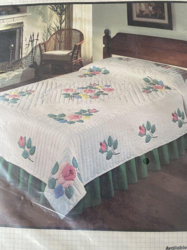 """NEW Vtg Bucilla """"Rose Petals"""" Applique Quilt Top Kit #49593 80 x 96"""""""