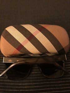 ff873edf8342 Burberry In Women   Kijiji in Greater Montréal. - Buy, Sell   Save ...