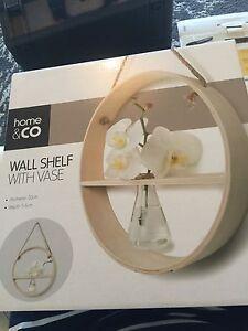Wall shelf with vase Ormond Glen Eira Area Preview