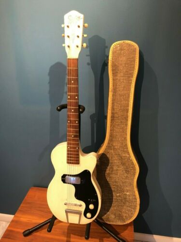 Vintage Guitar: RARE Silvertone 1361 - 1954 - One of First Solid Body Electrics