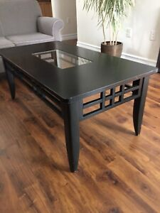 Coffee /  2 end tables
