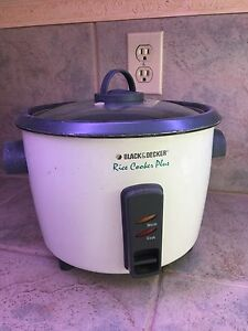 10-cup rice cooker Black & Decker