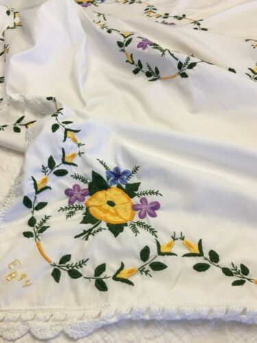 "EMBROIDERED TABLECLOTH BEAUTIFUL FLOWERS 60"" x 88"""