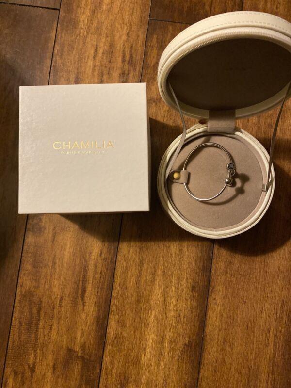Chamilia White Round Zippered Jewelry Case Travel Dresser Tray With Bracelet.