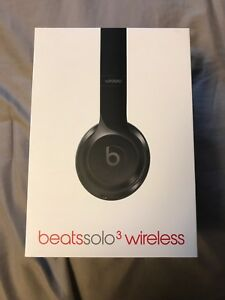 Beats Solo 3 Wireless Black Headphones $240