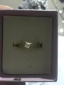 Womens engagement ring Aberglasslyn Maitland Area Preview