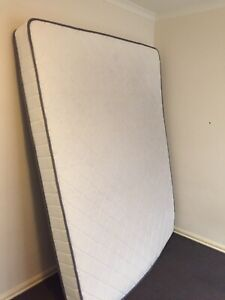 Mattress , 2nd hand, queen size