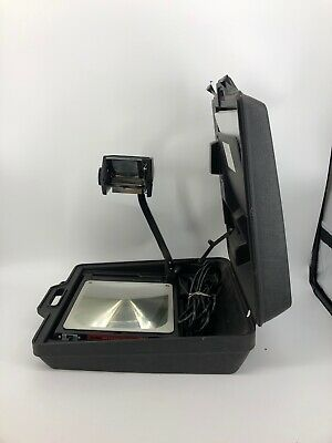 3M Scotch 589 Portable Projector 88BGCS with case - Very good condition!