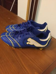 Youth puma soccer cleats-size 5