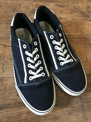 Mens size 8 black and white plimsole vans style