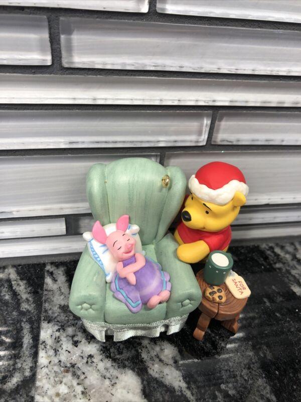 2009 Waiting Up for Santa Hallmark QXD2045 Ornament Winnie Pooh & Friends