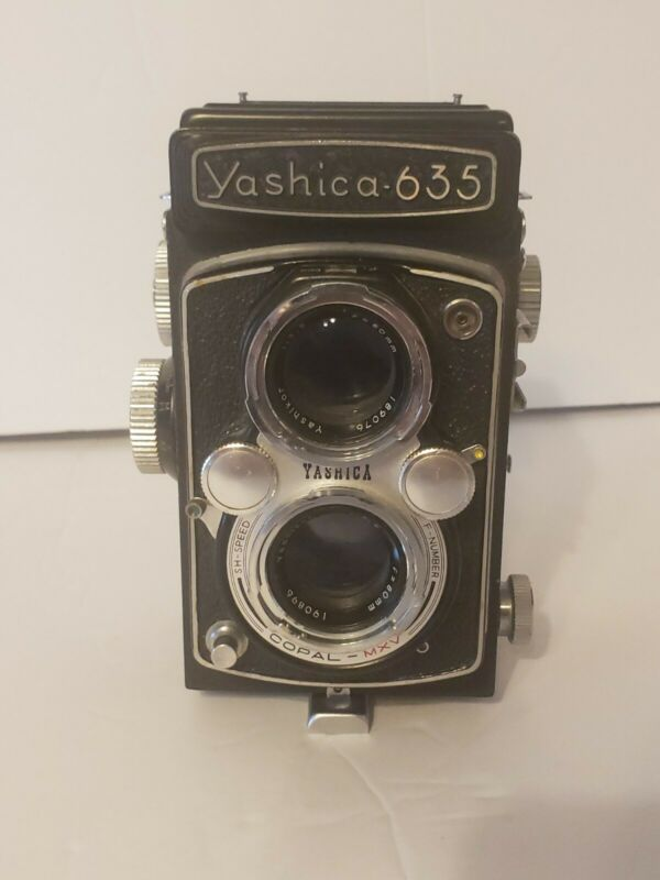 Yashica 635 TLR Camera Twin Lens - Made in Japan (READ DESCRIPTION)