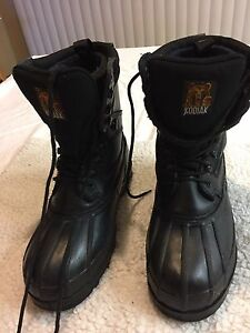 Women's Size 9 Kodiak boots with liners