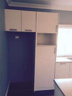 White laminate kitchen ***great condition, urgent sale!*** Canterbury Canterbury Area Preview