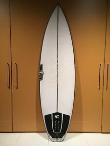 JS monsta box surfboard