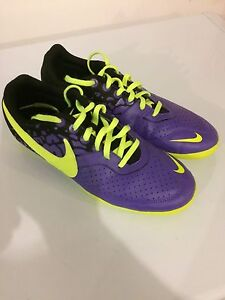 Nike indoor soccer shoes cleats