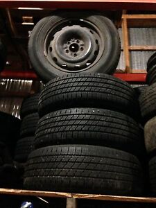 Pneus Bridgestone Turanza montés sur roues d'acier 215/65/16