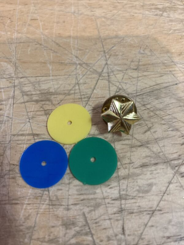 Girl Scout Membership Star Pin with Three Color Backing Discs . C3