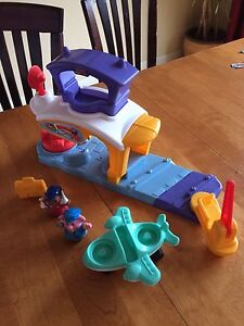 Aéroport Fisher-Price little people