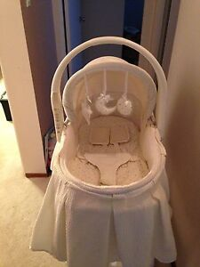 Bassinet/change table