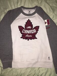 Roots Canada sweater