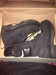All Black Size 5 Timberlands