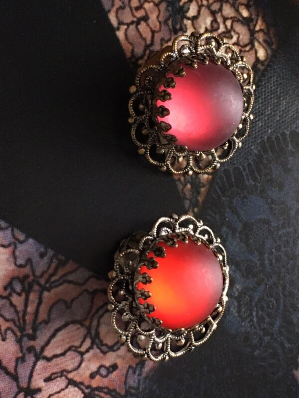 Antique Frosted Glass Clips Earrings shifting glow Red Saphiret Style