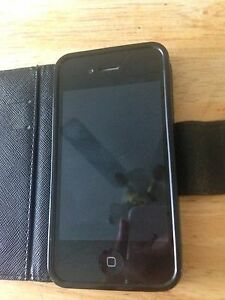 iphone 4s déverouiller+case (valeur de 35$)