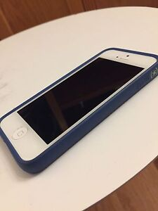 iPhone 5 - 64 gb. Locked to rogers
