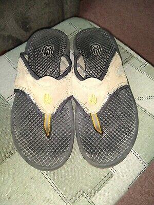 Teva Mens 12 Brown Leather Thong Sandals Comfort Shoes 6676 EUC Mens Leather Thong Sandals