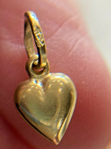 Vintage 14k yellow gold Small Puffy Heart Charm Pendant