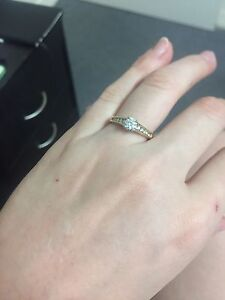 Beautiful engagement ring Townsville Townsville City Preview