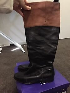Flat leather windsor smith boots Pemulwuy Parramatta Area Preview