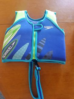 Swimming vest speedo