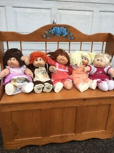 10 Cabbage patch dolls