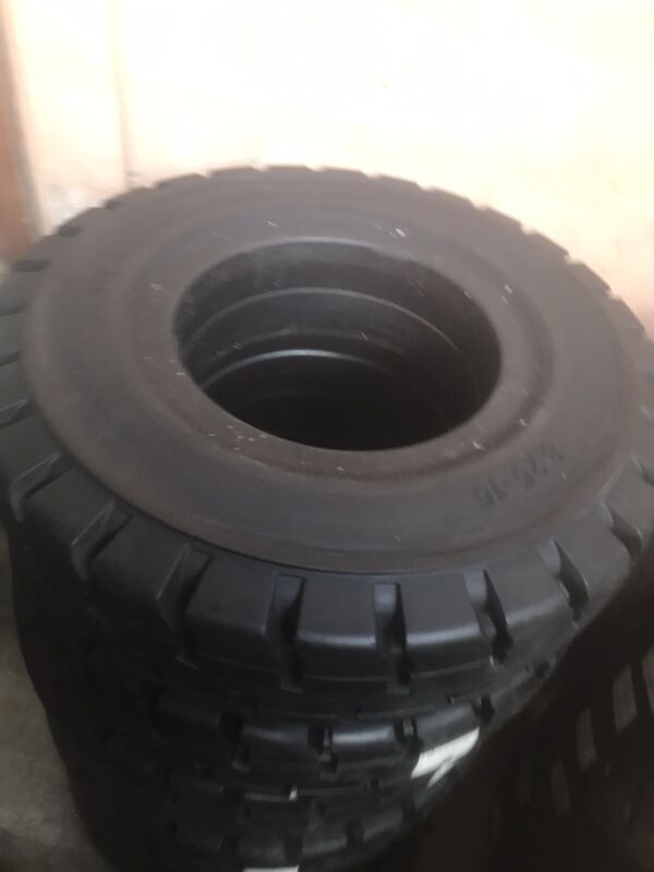 825x15 Traction Tires