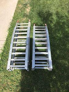 Folding aluminum quad/dirt bike ramps