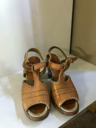 Vintage 70s Zodiac leather wood stacked heels sandals with ankle strap 8 N USA