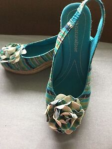 New Naturalizer Sandals Size 7